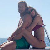 Le vacanze social dei Totti: il gavettone di Ilary e la romantica dedica di Francesco