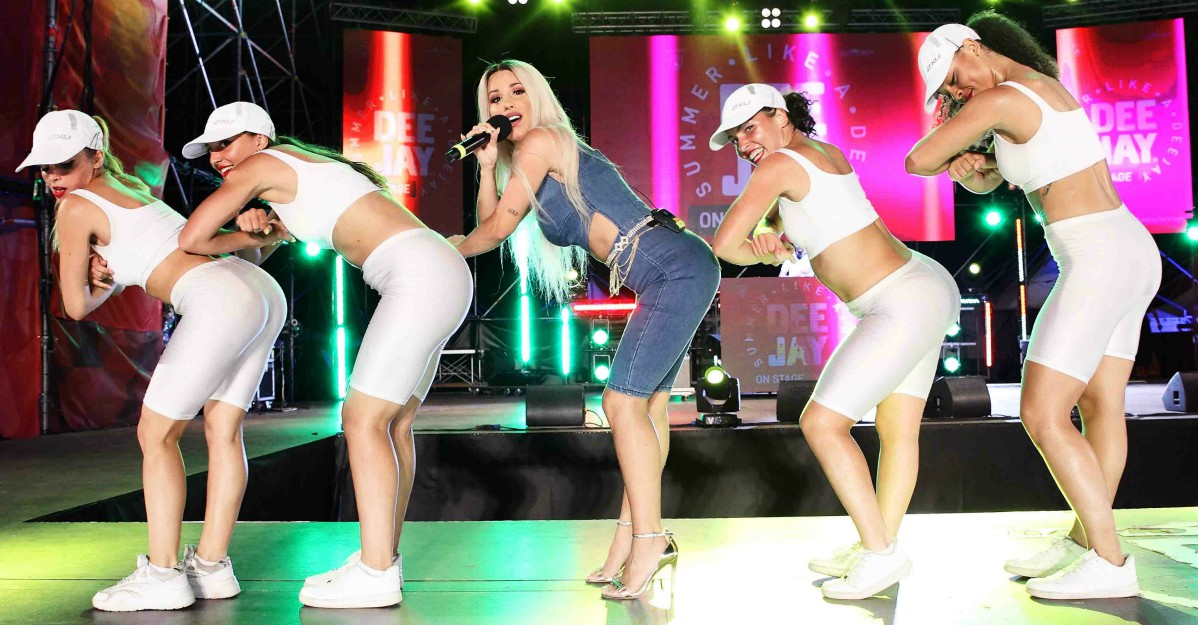 Baby K, Fred De Palma e Federica Abbate a Deejay on Stage: i video dello show a Riccione