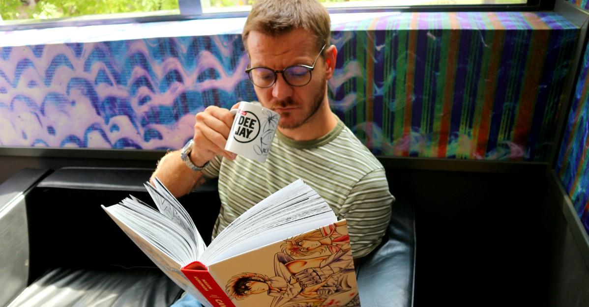 """Cattelan apre il """"Club del Libro"""": scrivici una mail per fare la tua recensione in onda"""