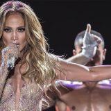 """Jennifer Lopez: """"Non buttate via una donna per l'età, io non ho paura di dire a tutti che ho 50 anni"""""""