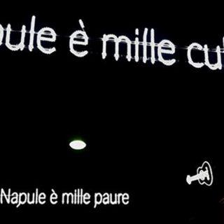 """""""Napul'è"""", nel quartiere Sanità è arrivata la luminaria dedicata a Pino Daniele"""