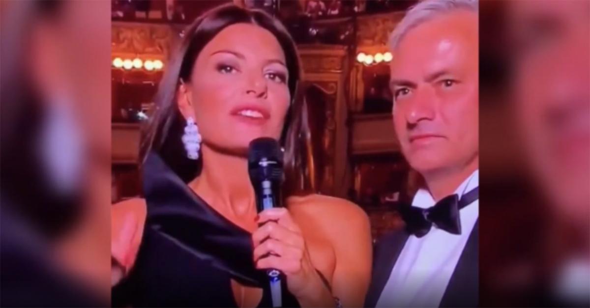 Best Fifa Awards, D'Amico parla in inglese di alieni e Mourinho la lascia sola sul palco