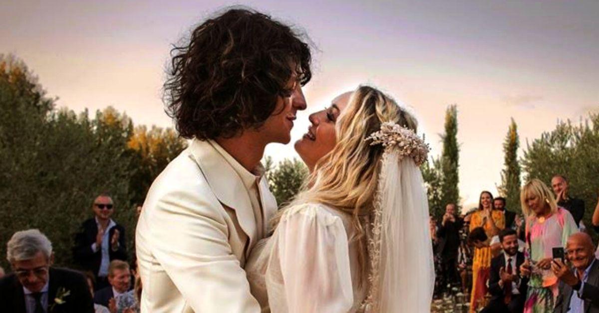 Carolina Crescentini e Motta si sono sposati in segreto: le foto delle nozze a sorpresa