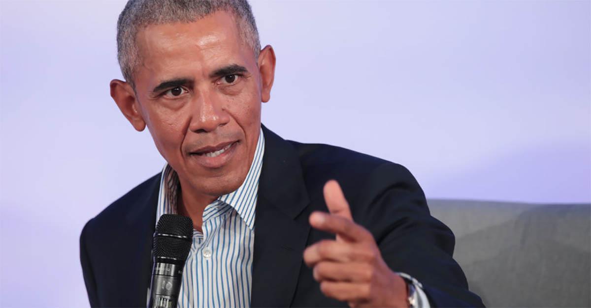 """Obama contro gli attivisti da social: """"Se l'unica cosa che state facendo è scagliare pietre, probabilmente non andrete lontano"""""""