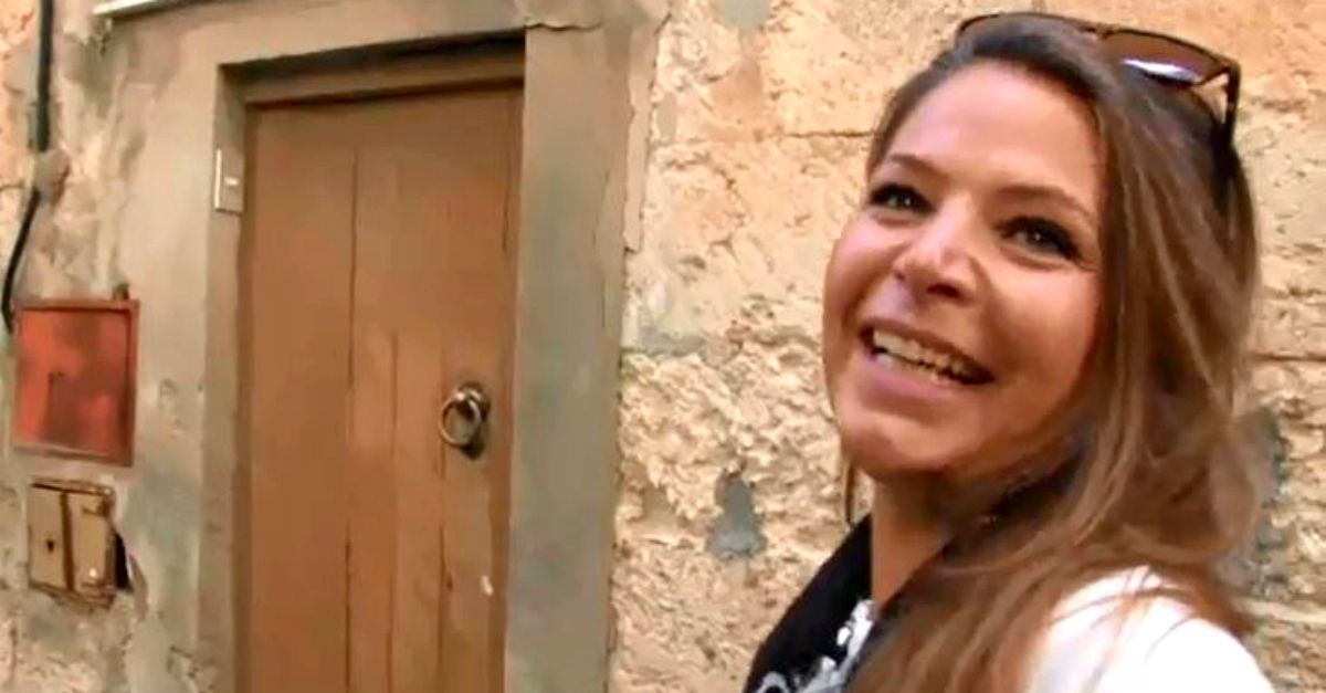 1€ per 250 mq su 3 piani: Cecilia ha comprato casa nel borgo siciliano a rischio esodo