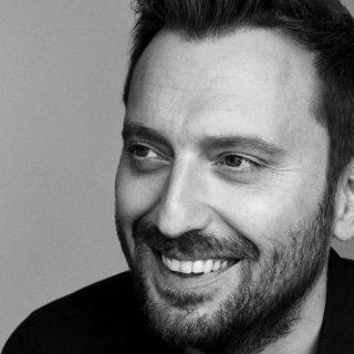 Cesare Cremonini: la nuova canzone su amore e separazione nell'era degli smartphone