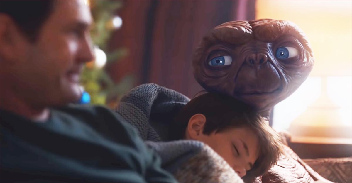 La reunion di E.T. è arrivata giusto in tempo per Natale: lo spot che emoziona