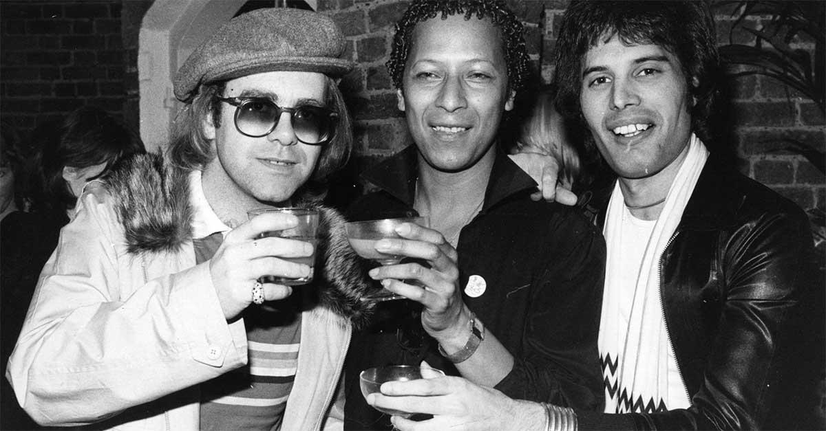 Ventotto anni senza Freddie Mercury: il ricordo social dei fan