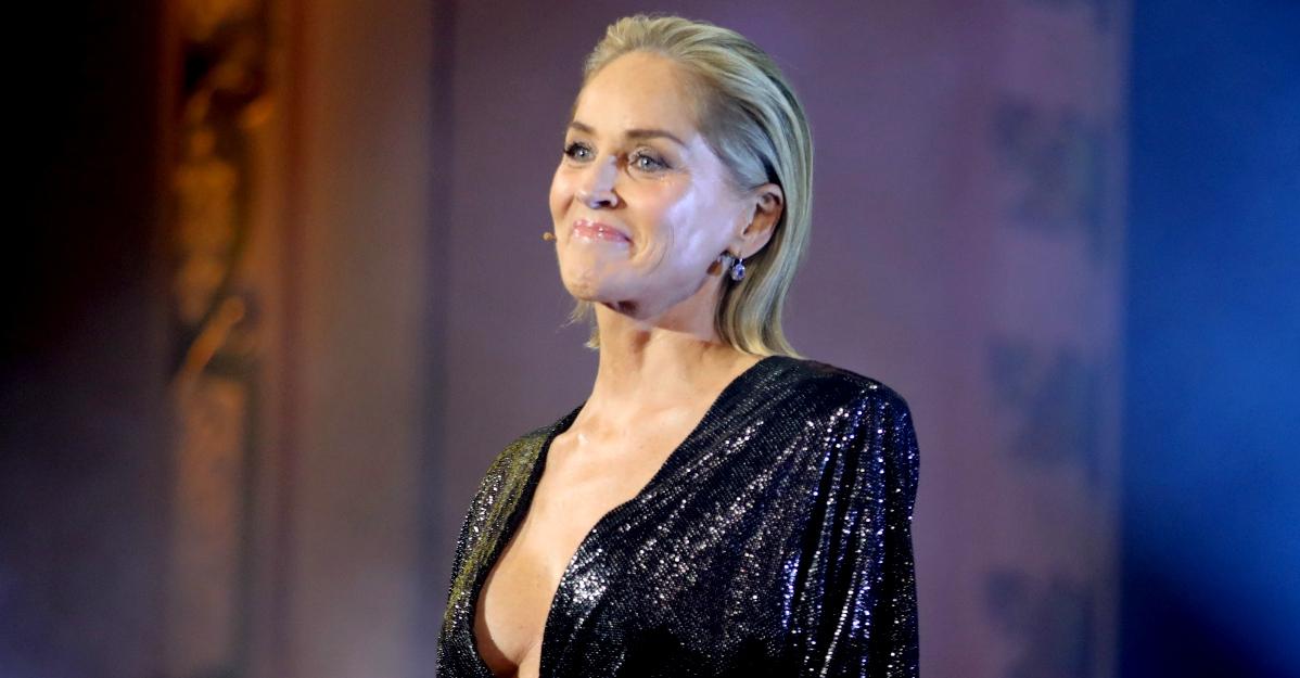 """Sharon Stone bloccata sull'app di incontri: """"Non credevano fossi davvero io"""""""