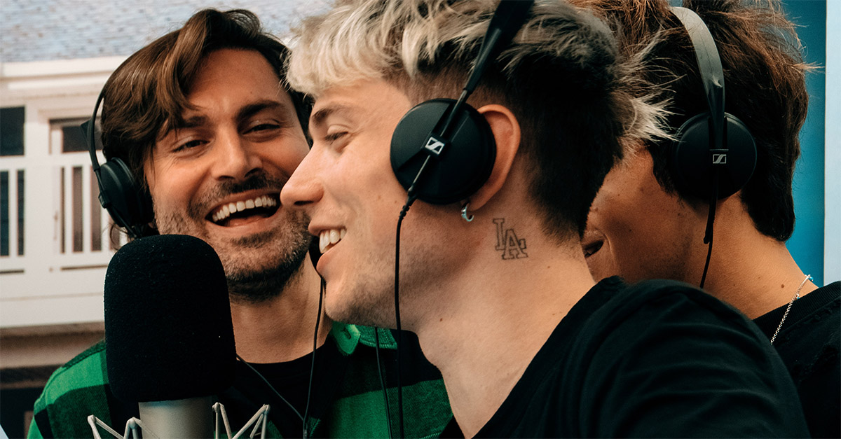 """Play Deejay, Benji & Fede (& Fede) cantano """"All I Want for Christmas Is You"""""""
