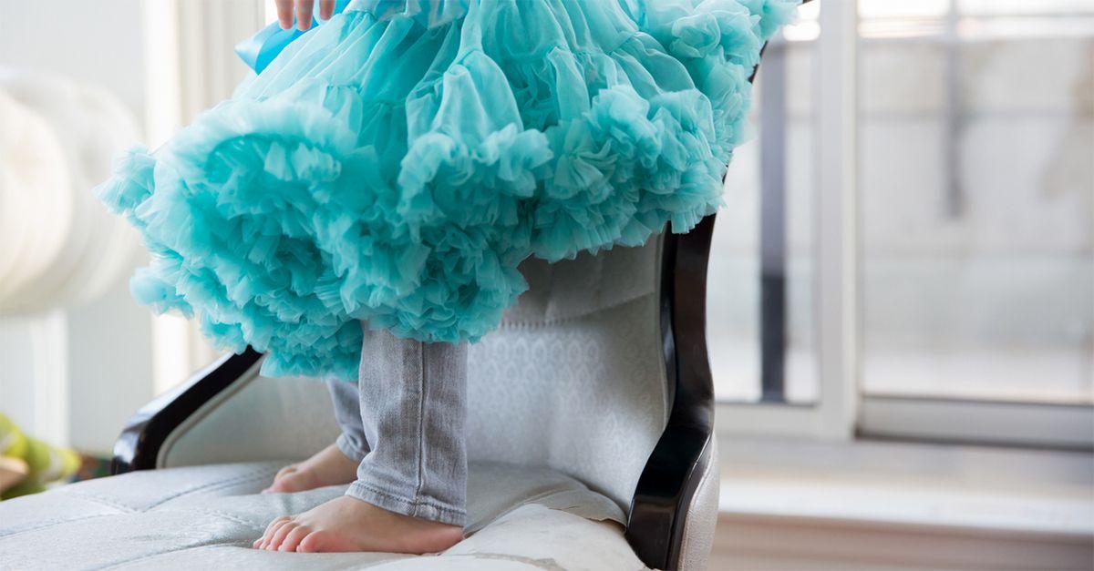 Perché mio figlio di sei anni chiede di poter indossare la gonna? Il parere di Stefania Andreoli