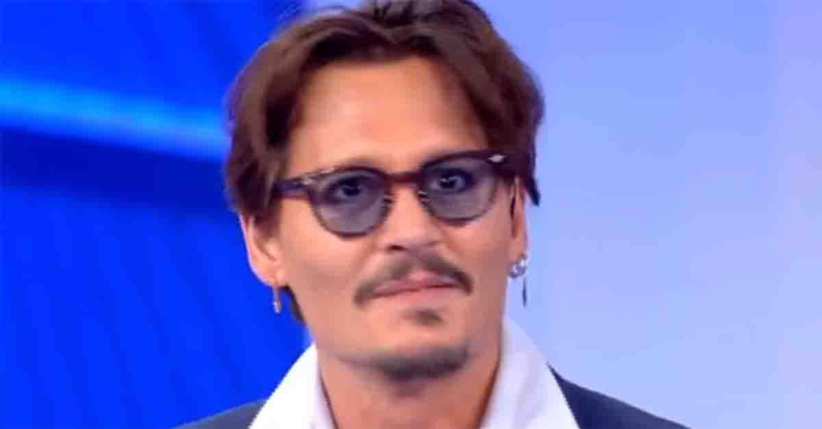 "Johnny Depp ospite a ""C'è posta per te"": le prime immagini"