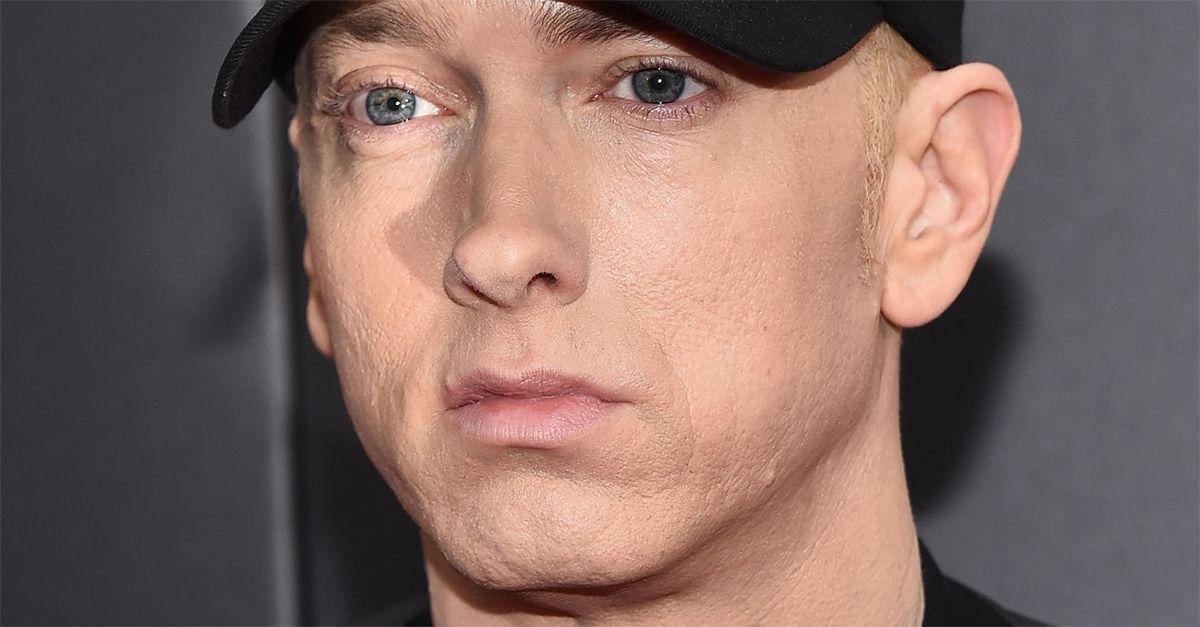 "Eminem pubblica a sorpresa il nuovo album: ""Music To Be Murdered By"""