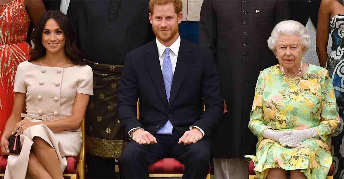 Harry e Meghan divorziano dalla Royal Family: tutte le volte che hanno infranto il protocollo reale
