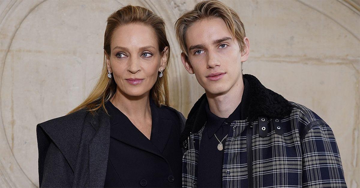 Parigi, alle sfilate con mamma Uma Thurman: l'attrice e il figlio Levon Hawke alla fashion week