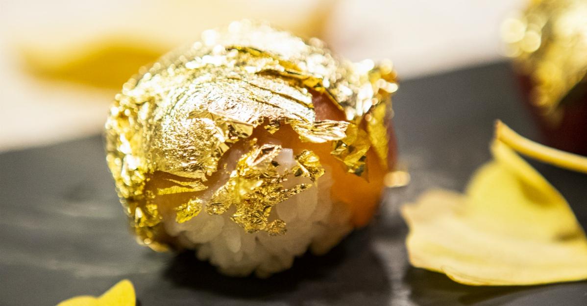 Sushi d'oro. L'ultima frontiera per gli amanti del giappo: dove lo fanno e quanto costa