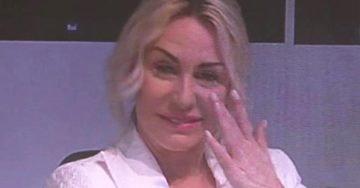 """Sanremo, Antonella Clerici si commuove: """"È stato un anno complicato"""""""