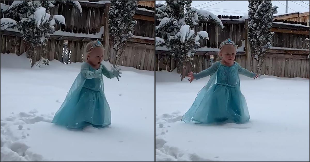 Texas, scende la neve e la bimba diventa Elsa di Frozen: la tenera interpretazione conquista la rete
