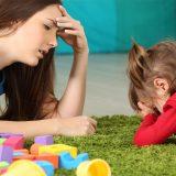 Perché i bambini non giocano da soli: la spiegazione di Stefania Andreoli