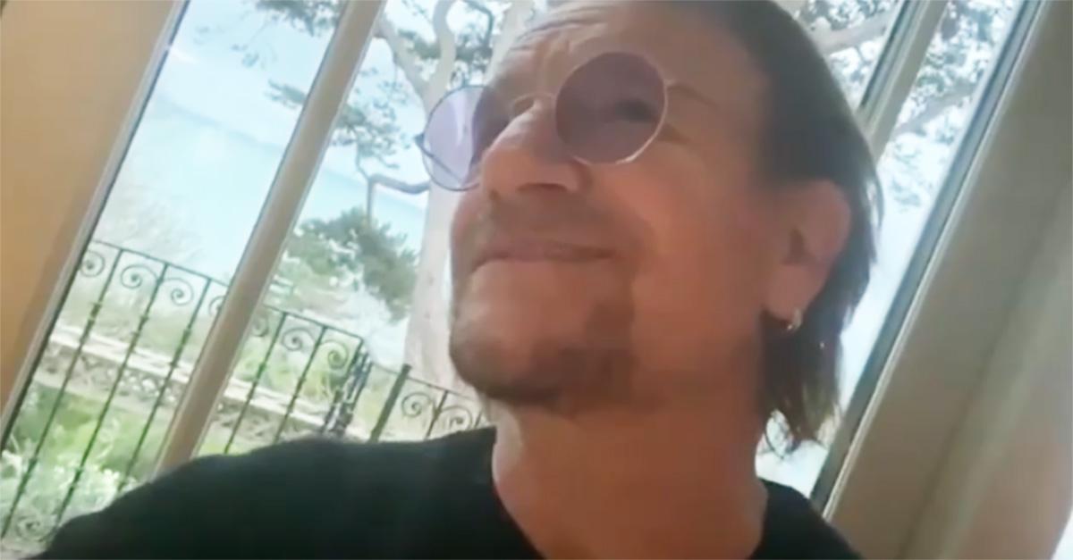 """Coronavirus, Bono canta per """"i medici e infermieri in prima linea"""": il video"""