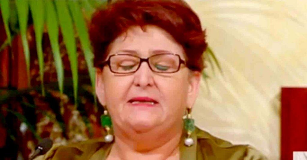 Bellanova piange per regolarizazzione migranti: il video   Radio ...