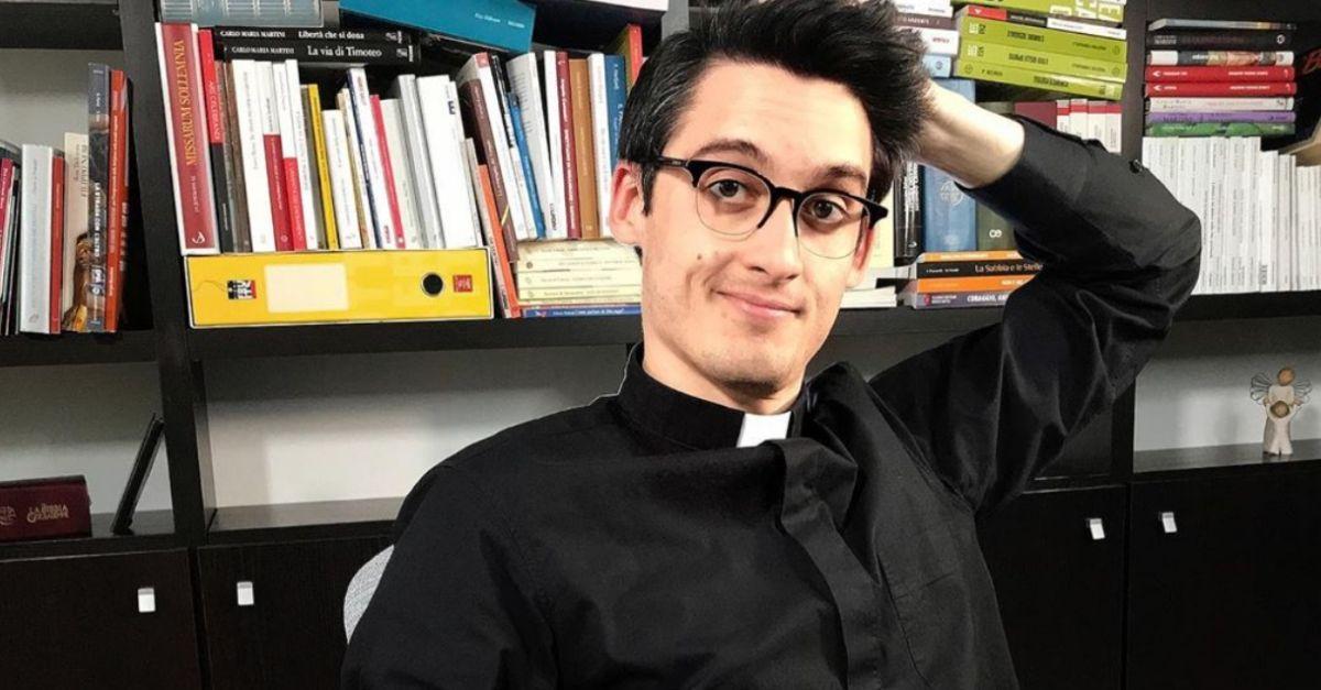 """""""Avere fede non è da sfigati"""": Don Alberto, prete 26enne star di Youtube, ospite di Wad"""