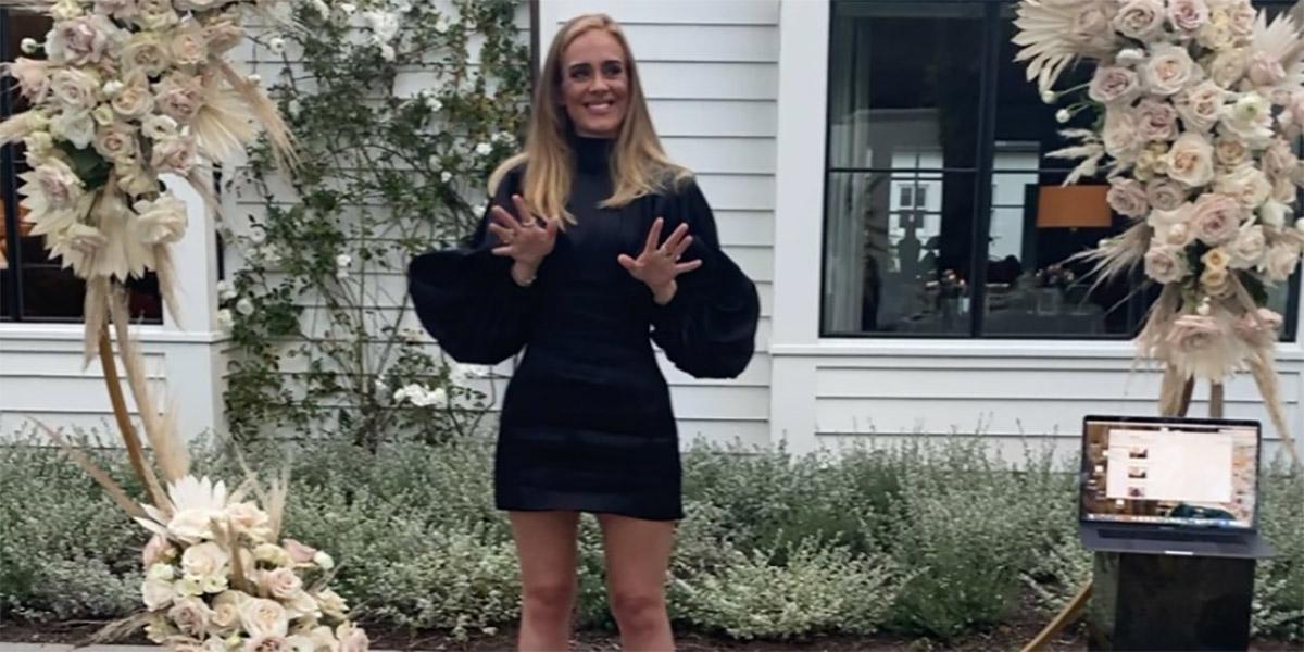 """Adele compie 32 anni e regala un nuovo scatto ai fan: """"Grazie per l'amore"""""""