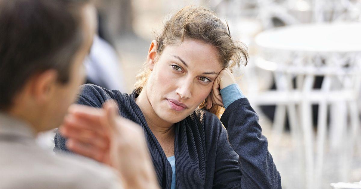 Ti seducono più le critiche o i complimenti? La risposta dice molto del tuo inconscio