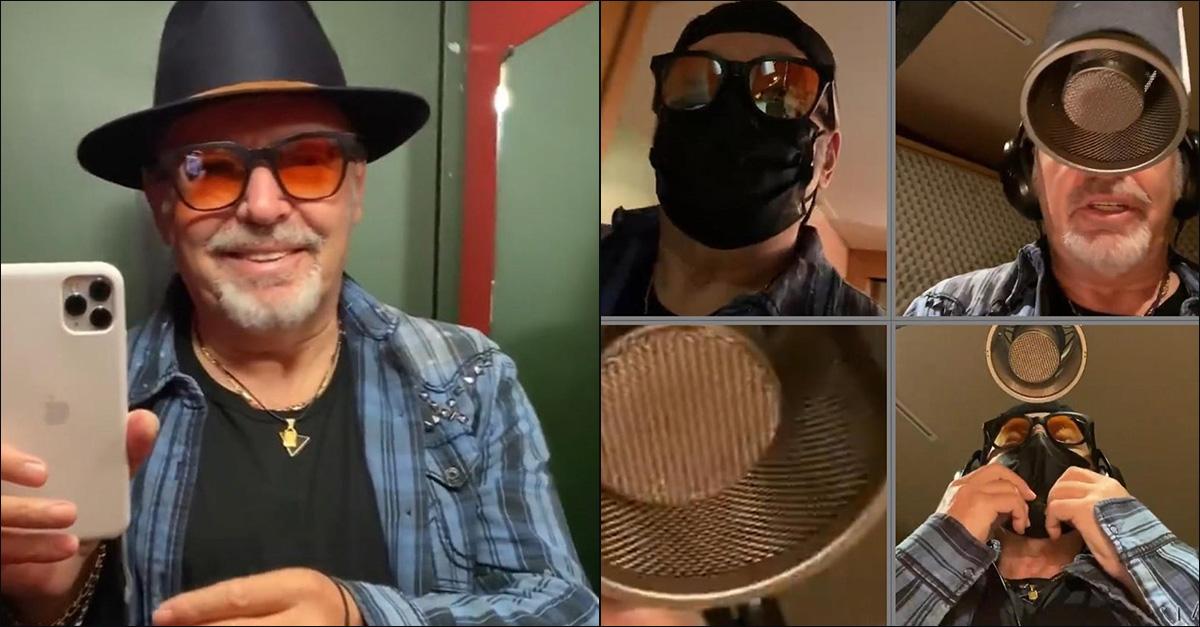 """Vasco Rossi, pronto a ripartire: """"Dobbiamo cantare con la mascherina o senza?"""""""