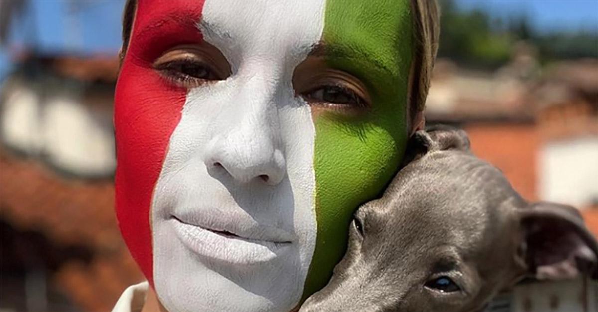 """Festa della Repubblica, l'omaggio di Michelle Hunziker: """"Fiera di essere una cittadina italiana"""""""
