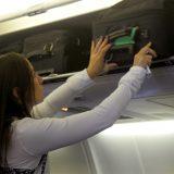 Viaggi aerei, le nuove regole per i bagagli: stop ai trolley nelle cappelliere