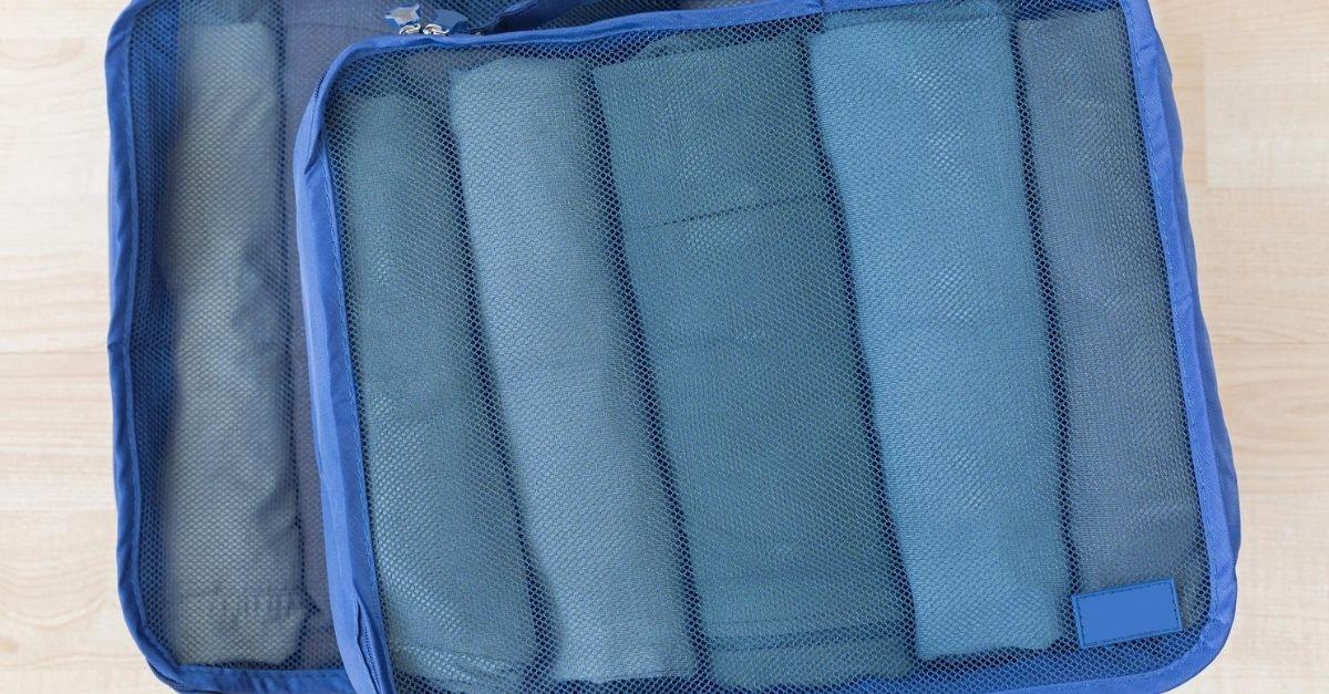 Per sistemare i vestiti in valigia basta un cubo: ecco l'accessorio ideale per i disordinati