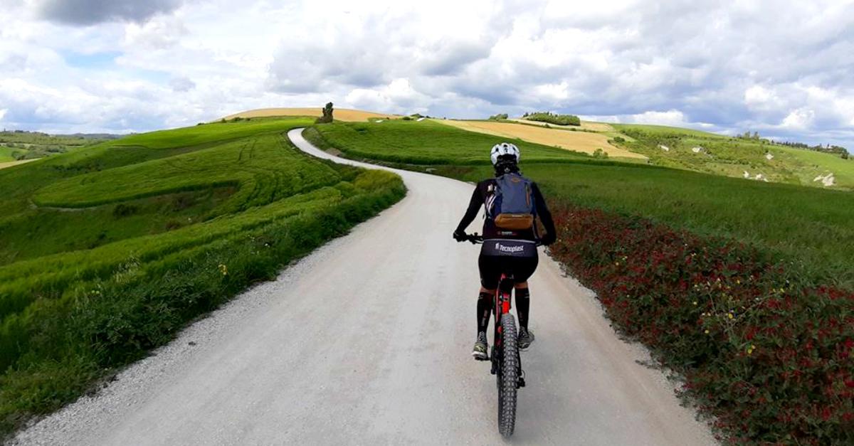 Urbino: il tour in e-bike nei luoghi di Raffaello tra arte, colline e crescia sfogliata