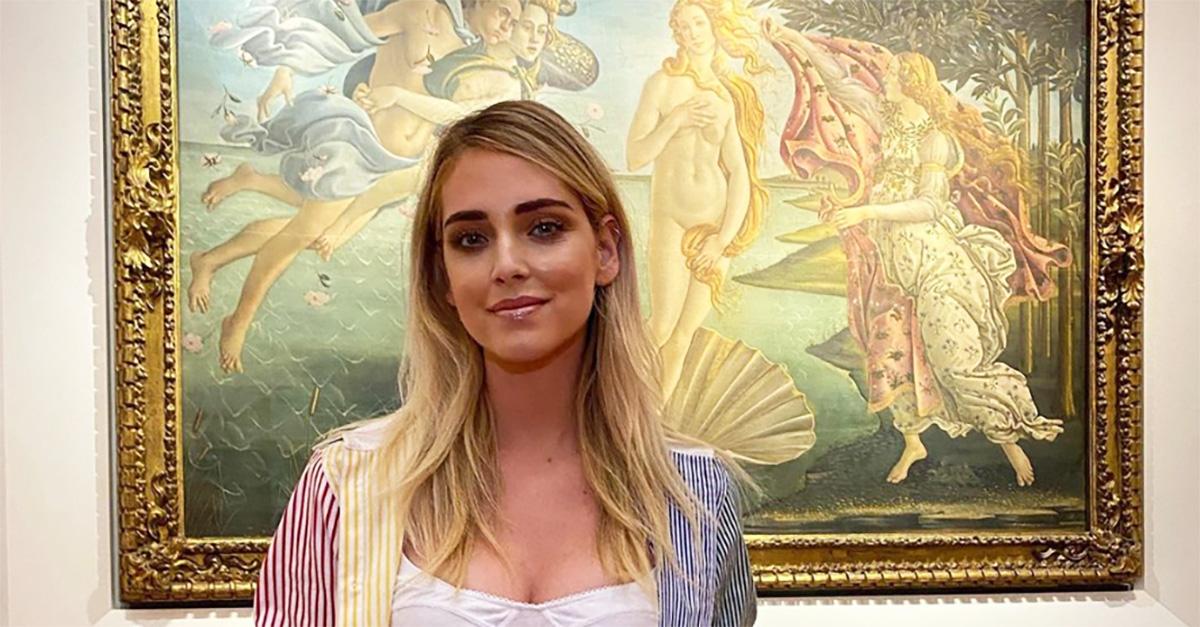 """Chiara Ferragni agli Uffizi. La galleria: """"Divinità contemporanea nell'era dei social"""""""