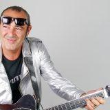 """""""La canzone dell'estate"""" è il nuovo singolo di Luca Carboni: l'intervista a Deejay chiama Italia"""