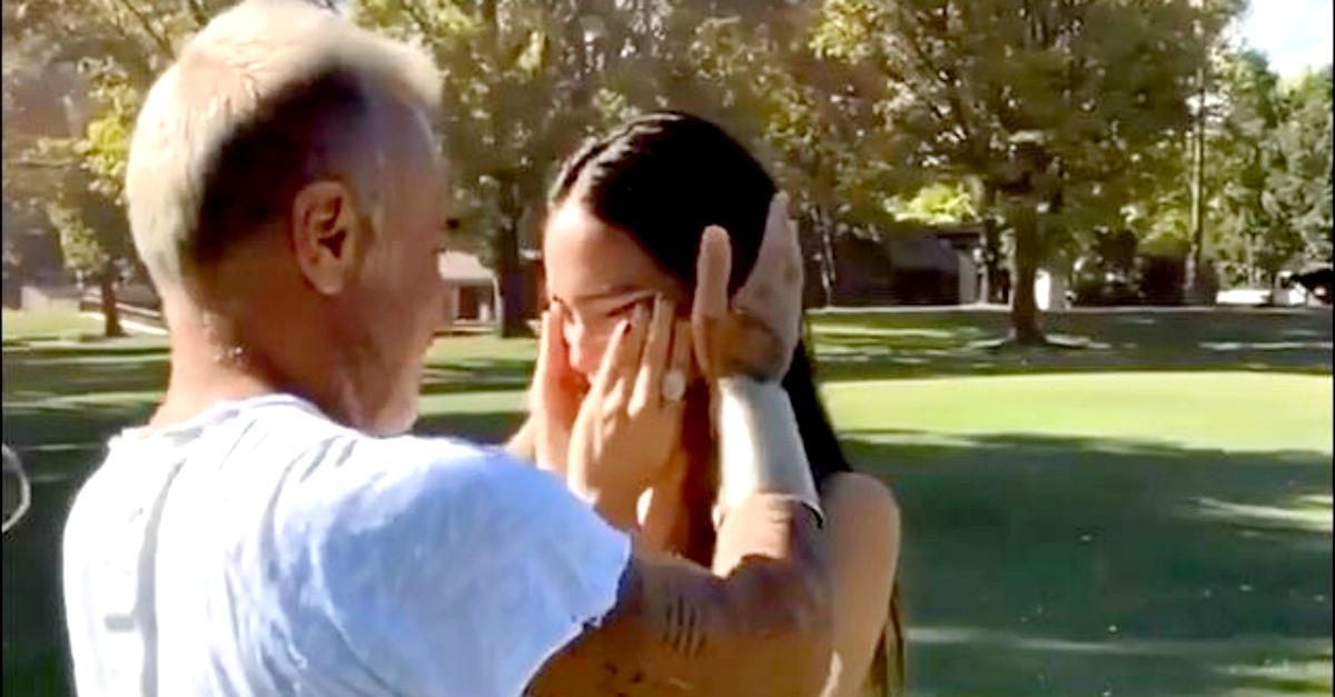 Gianluca Vacchi, un elicottero in giardino per annunciare il sesso del figlio