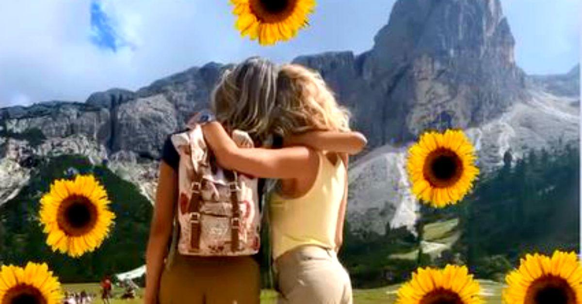 Il trekking di Elena Santarelli e Alessia Marcuzzi: lato b da urlo anche senza bikini