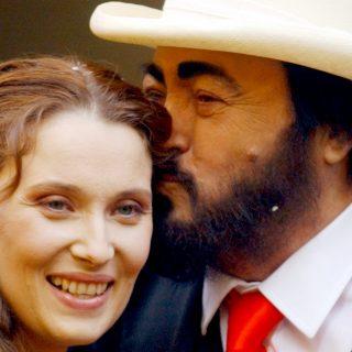 """Nicoletta Mantovani si risposa: """"Come mi diceva Luciano, la vita va vissuta al massimo"""""""