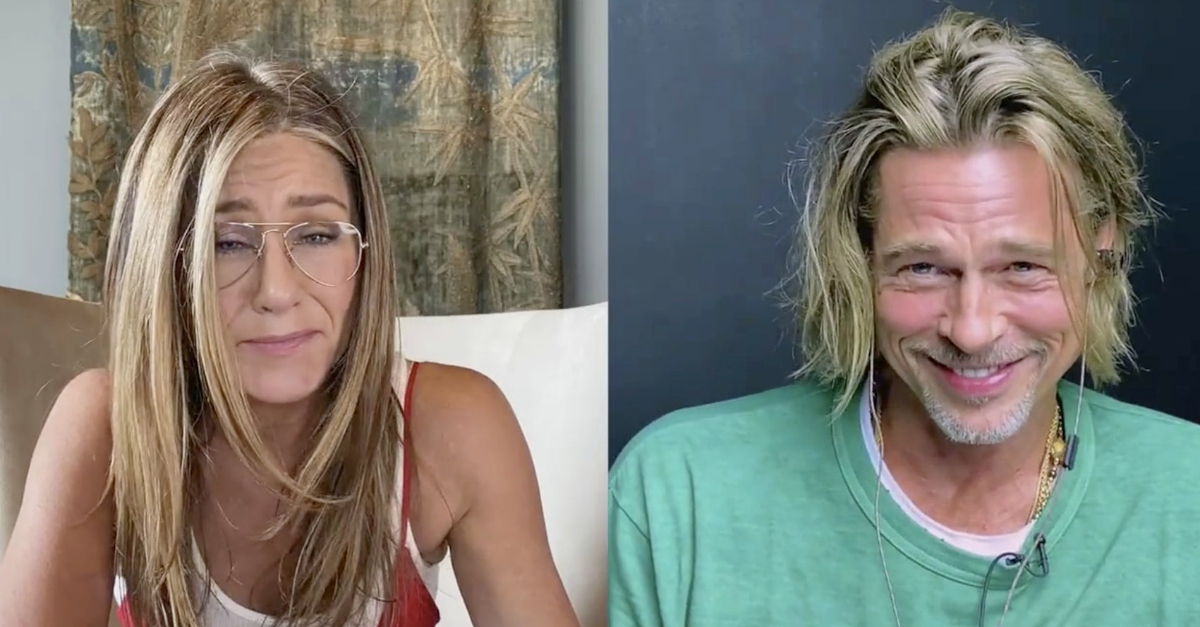 """Ciao tesoro"", Brad Pitt e Jennifer Aniston flirtano insieme e fanno sognare i fan"