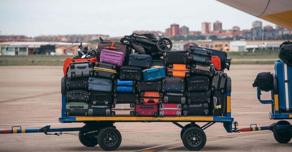 Unclaimed Baggage, il negozio che rivende gli oggetti dei bagagli smarriti