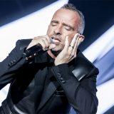 #Insiemeperlamusica, Eros Ramazzotti mette all'asta la sua chitarra e nomina Biagio Antonacci