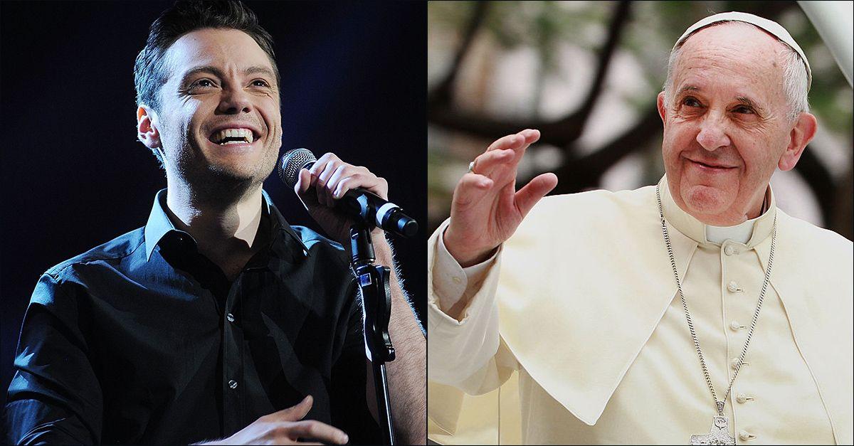 """Tiziano Ferro ringrazia Papa Francesco: """"Mi ricordi chi sono e quanto forte rimarrà la mia fede"""""""