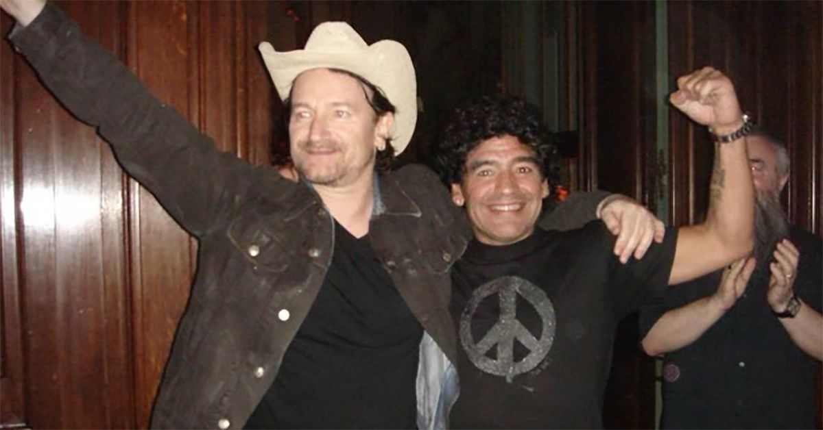 Da Bono a Ricky Martin: le star della musica (e non solo) celebrano Maradona sui social