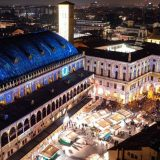Natale a Padova, spettacolo di luci sui palazzi storici. Le immagini