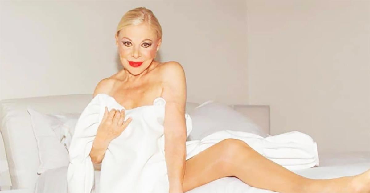 """Sandra Milo risponde alle critiche dopo la copertina senza veli: """"Ogni età ha la sua bellezza"""""""