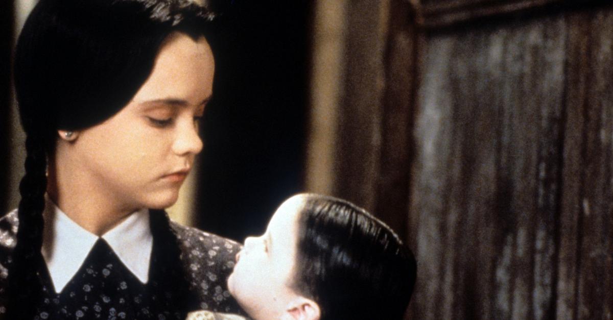 La famiglia Addams diventerà una serie tv diretta da Tim Burton