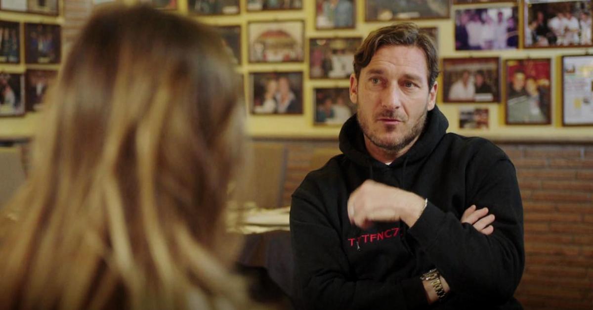 """Totti su Ilary: """"Essere moglie di un calciatore non è facile. Ero pesante, mi è stata vicino"""""""