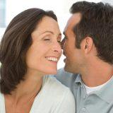 """Perdona il marito infedele: """"In ogni coppia che si rispetti c'è almeno un tradimento"""""""