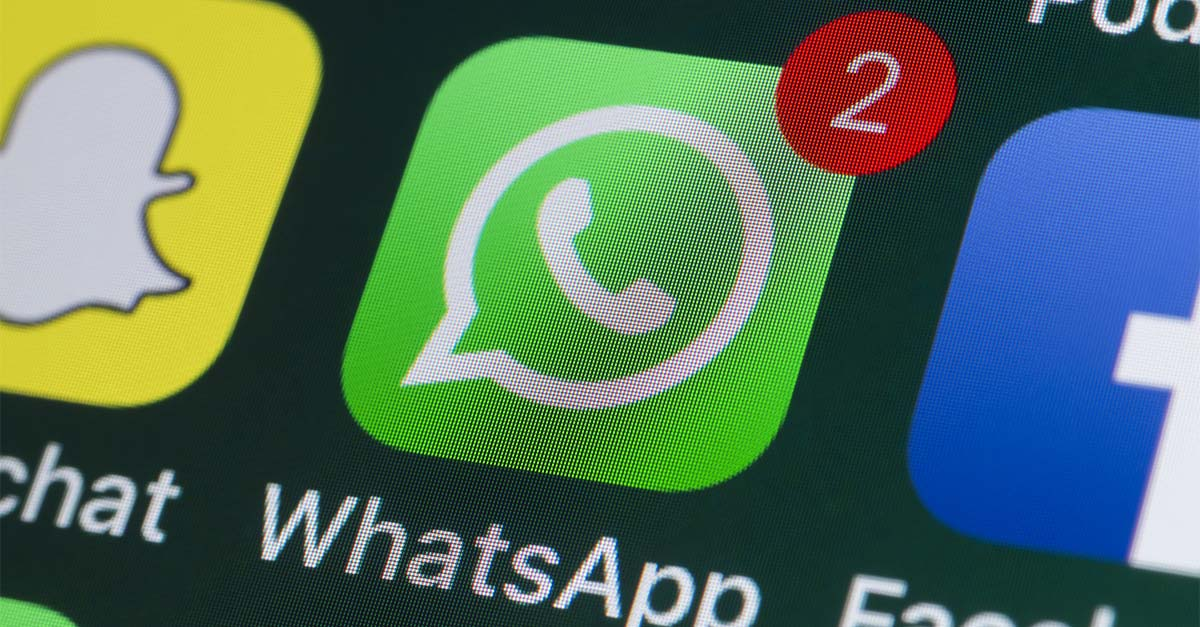WhatsApp, addio ai messaggi vocali troppo lunghi: arriva la funzione per velocizzarli