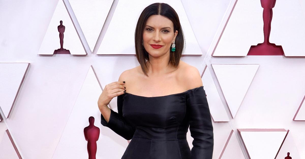 Laura Pausini agli Oscar: dallo show con Diane Warren all'hamburger dopo la cerimonia